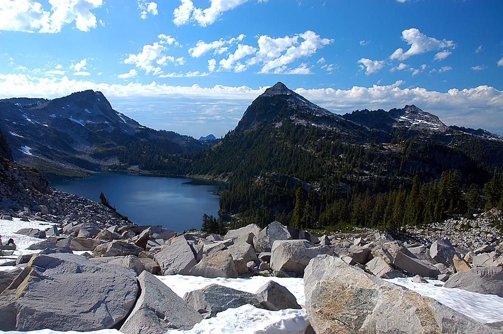 США: Озера и водопады долины реки Фосс.
