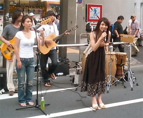 http://www.karlson.ru/lj/street_singers02.jpg